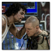 :: Pulse para Ampliar :: Wagner Moura (left) and Matt Damon in Columbia Pictures' ELYSIUM.