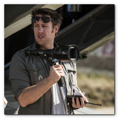 :: Pulse para Ampliar :: Director Neill Blomkamp on the set of TriStar Pictures' ELYSIUM.